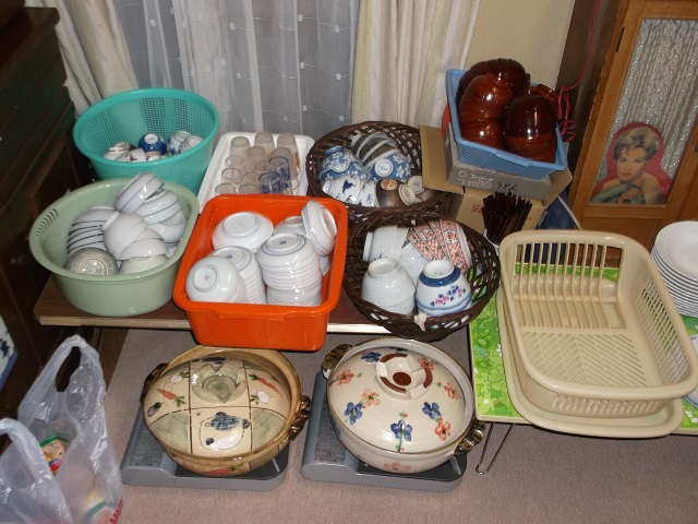 コンロ食器、鍋、カセットコンロの準備